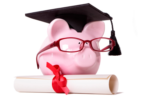 Students often have irregular and fluctuating income. Manage money and plan your budget to not end up in debt.