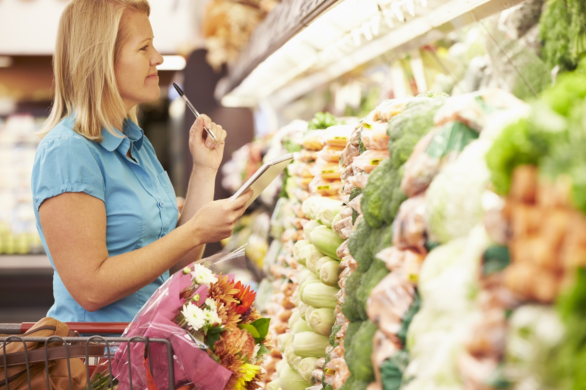 Make Frugal Choices While Grocery Shopping