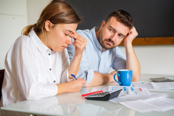 Couple Struggling to Save Money on Low Income